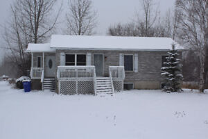 Large 3 + 1 Bedroom Family Home in Porcupine (Large Lot)