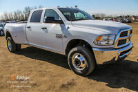 2015 RAM 3500 ST CREW CAB DIESEL DUALLY.........ONLY THE BEST !!