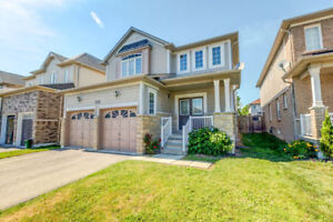 125 Dadson Dr in Bowmanville!