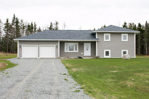 20 Old Cloverdale Road - Remax Fairlane - $279,900