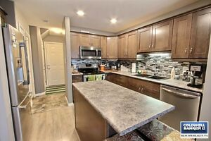 Condo In Gated Rosemont Estates!