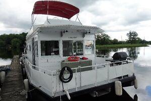 42ft Custom Houseboat