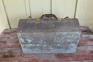 Old Kennedy Kits Style No. 1017 Metal Tool Box London Ontario image 1