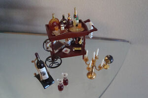 Miniature bar - Incredible detail....  Pierrefonds West