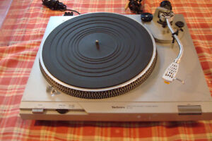 Table Tournante Technics SL-D2 Direct Drive Turntable SLD2