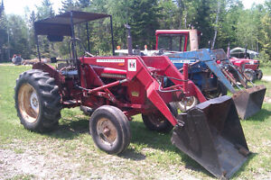 INTERNATIONAL 434 GAS WITH LOADER