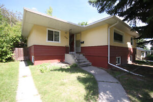 Highwood NW: 3 BR Main floor (all inclusive)