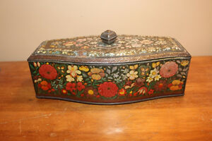 Vintage Biscuit Tin London Ontario image 1