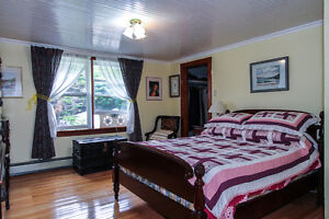 Saltbox home on 1.2 ACRE lot with OCEAN access and view! St. John's Newfoundland image 2