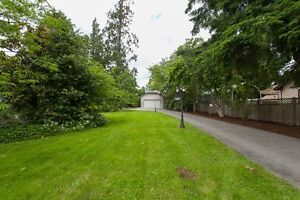 GREAT INVESTMENT! 2800 SQ FT RANCHER