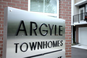 $2275 / 3br - 1497ft2 - 1 yr old townhome near schools