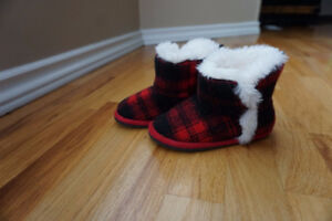 Warm Slippers, Size 9/10