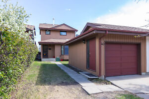 VERY DESIABLE 3+1 BD **HAWKWOOD WALKOUT FAMILY HOME**