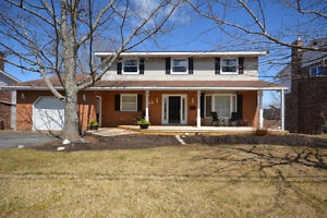 Executive two storey in Colby Village - 5BDR/4BATH