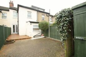 3 bedroom house in Falkland Road, Barnet, EN5