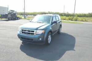 2011 FORD ESCAPE XLT LOADED!! 4WD!! ONLY 134K!!! REDUCED!!