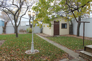 Estevan House- 2 bdrm - 1 Bth - Garage      Call: 306-421-3749