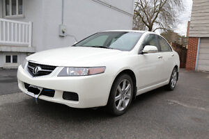 2004 Acura TSX 2.4L 6-speed manual, Low milage kms, sunroof