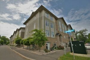 Stunning 2 Bed, 2 Bath Unit In Elmvale Acres