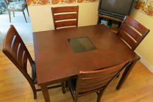 Kitchen furniture - table and 4 chairs