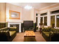2 bedroom flat in Knollys Road, London, London, SW16