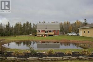 Executive Country Living- Minutes from Springhill and Amherst