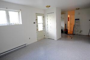 Appartement rénové près CEGEP et UQAC