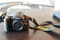Nikon D90 Body with accessories - NO scratches