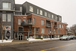 Open House - Sunday 26 March - 2-4 pm -  680 Lakeshore, #204