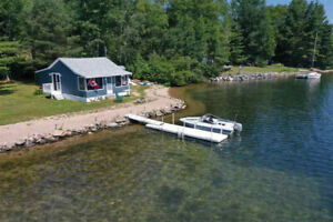 WATERFRONT COTTAGE IN ISLANDVIEW, NS!