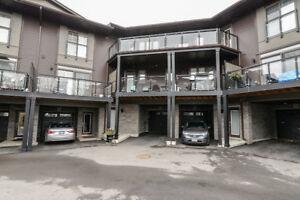 Townhouse in Stoney Creek- 12-23 Echovalley Drive