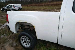 2007 -Newer Chevy/Gmc short box cheap price $900 @HM CORES