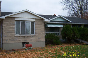 house 35 acres on rideau river .water front  smiths falls ,