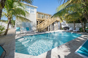 SPACIOUS 3 UNITS FOR LARGE GROUPS/POOL,WALK TO BEACH