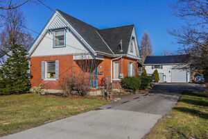 GREAT HOME WITH 2 STOREY SHOP IN THAMESFORD!
