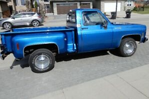 1977 CHEV SHORT-BOX STEP-SIDE HALF-TON with 454