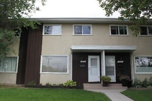GREAT LOCATION!! 3 bedroom townhouse, 2.5 bathrooms Edmonton Edmonton Area image 1