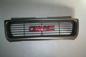Grille Assembly Grill GMC Jimmy Sonoma 98-04 GM #15015046