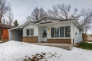Beautiful 3-Bdrm Bungalow a MUST SEE in Lakeshore area!!!