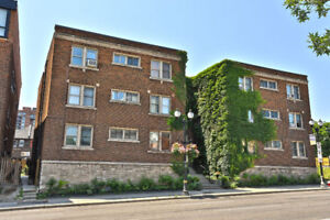 Great Investment Opportunity! 1 Bedroom Condo On King St W!