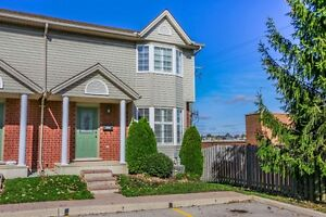 Move in Condition, End unit with walkout. London Ontario image 1