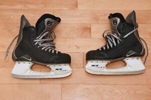 Nike Quest 3 Zoom Air hockey skates 9 D - very good condition