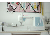Singer Futura XL 400 Sewing/Embroidery Machine