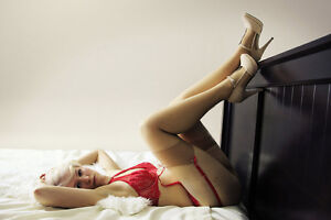 Christmas Boudoir Sessions! GREAT AS A GIFT! Peterborough Peterborough Area image 2