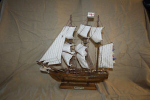 "Model Ship ""Brick L'Quragan"""