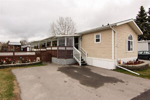 PRICE REDUCED - 3 Bedroom Mobile Home in Penbrooke Meadows