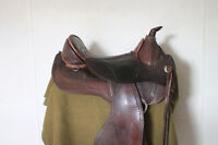 Barefoot Treeless Saddle,Arizona Nut, Gently Used