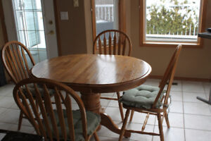 Solid Oak Table wirth Four Chairs