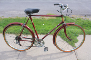 4 VINTAGE BICYCLES  3 SPEED/5 SPEED/10 SPEED