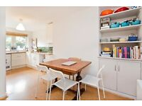 3 bedroom flat in Hilldrop Crescent, Tufnell Park N7